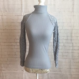 Free People Turtle neck in XS/S